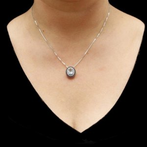 Colar de Prata com Pingente Oval Azul - PODER DE RAINHA ! SOFISTICAÇÃO !