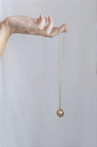 Pingente Globo com banho em Ouro ou Ródio Branco
