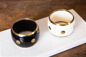 Pulseira Estilo Bracelete Em Resina Com Bola Douradas