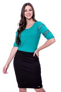 Blusa de malha tricot det.guipir vazado nas mangas cor verde
