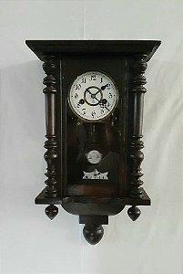 Relógio de Parede Suiço, caixa em madeira