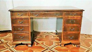 Escrivaninha em madeira com marcheteria