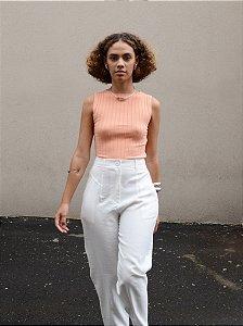 Calça cintura alta com recorte e pregas