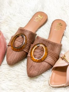 Mule D'Shoes Fivela