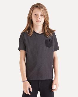 Camiseta Reserva mini Bolsinho detalhe couro - PRETO
