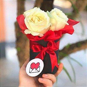 Caixa com flores - Redonda Mini com 3 rosas