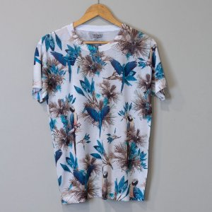 "Camiseta Masculina Branca - ""Arara"""