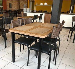 Conjunto com 1 Mesa e 4 Cadeiras - Mesas e Cadeiras para Restaurante REF 6060