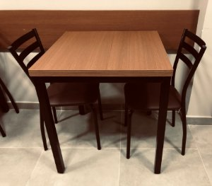 Conjunto com 1 Mesa e 2 Cadeiras - Mesas e Cadeiras para Restaurante