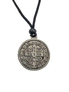 Cordão com pingente medalha de São Bento Grande