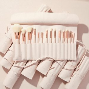 Ultimate brush roll colourpop