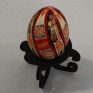 Pêssanka em ovo de galinha - cervo diagonais