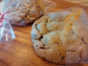 Cookie com gotas de chocolate - 85g - SÁBADO