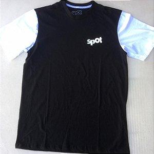 Camiseta Spot Preta Manga Branca