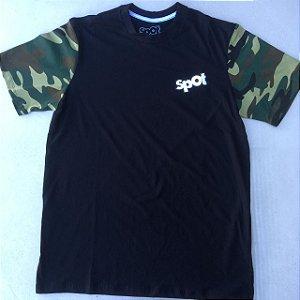 Camiseta Spot Preto Manga Exercito