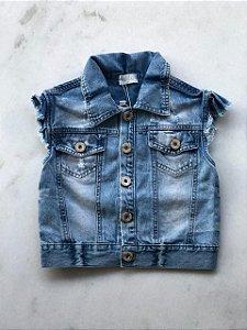 Colete Infantil Feminino Jeans Curto com Bolso na Frente