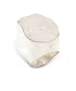 Anel em Prata 925 com Pedra Natural Cristal de Rocha
