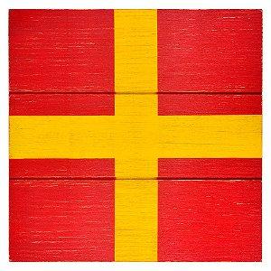 Quadro Bandeira Náutica Vermelha e Amarela em Madeira