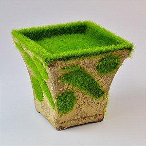 Vaso Quadrado Curvado com Grama Artificial