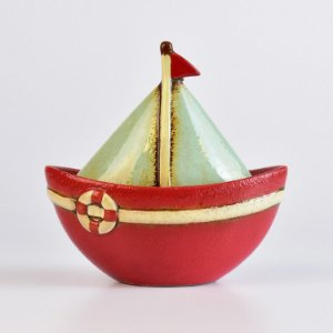 Veleiro Vermelho em Cerâmica