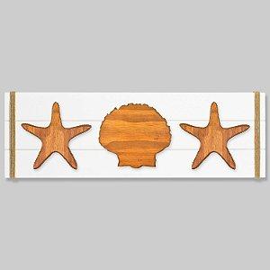 Quadro Branco com Estrelas e Concha em Madeira