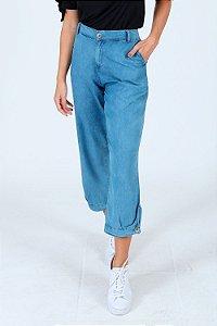 Calça jeans reta com bolso faca