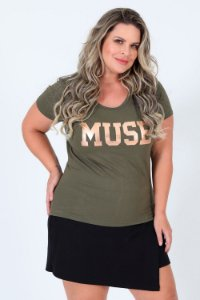 Camiseta manga curta estampa muse plus size
