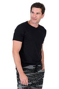 Camiseta básica manga curta gola v
