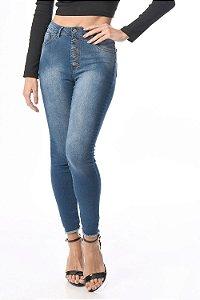 Calça jeans com botões skinny