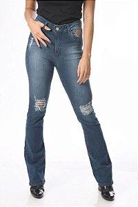 Calça jeans boot cut com desgaste