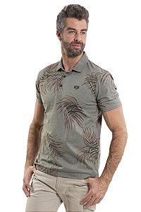 Camiseta polo  manga curta com 3 botões frontal estampa folhas e detalhe bordado