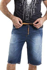 Bermuda jeans com barra desfiada