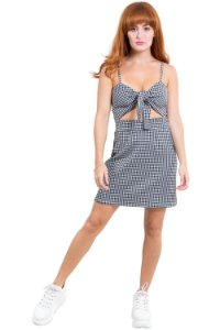 Vestido curto com amarração jacquard vichy