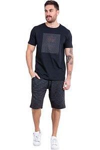 Camiseta manga curta detalhe emborrachado