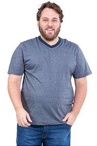 Camiseta manga curta gola em v plus size