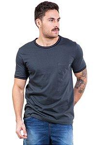 Camiseta manga curta com bolso
