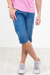 Bermuda jeans com detalhe em puídos