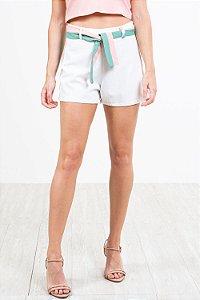Shorts c/ cordão para amarração em linho