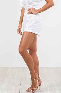Shorts curto detalhe em lastex em laise