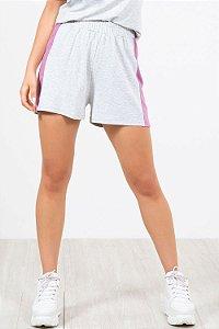 Shorts faixa lateral em moletinho