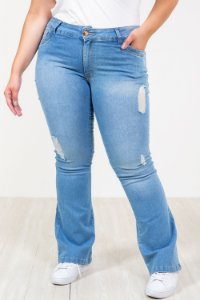 Calça jeans flare destroyed plus size