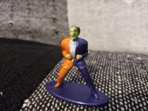 Miniatura Metal DC #2