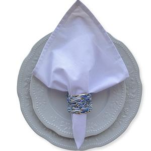 Guardanapo de Tecido Branco com Porta Guardanapo Trançado Azul – 4 pessoas