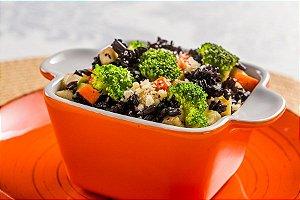 Arroz negro com legumes