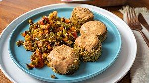 Falafel Molho Tahine Agridoce e Legumes Pomodoro