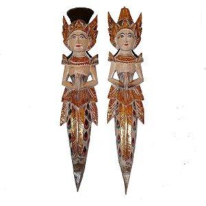 Escultura Rama e Sita de Madeira Balsa Branco com Colorido 50cm