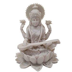 Escultura Sarasvati de Pó de Mármore Branca 15cm