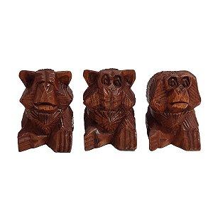 Trio de Macacos Sábios Esculpidos em Madeira Suar