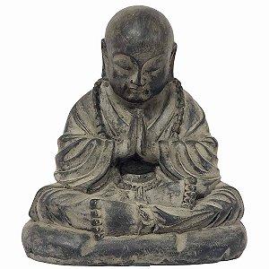Estátua Monge Mudra Oracão de Resina Cinza Chumbo 22cm
