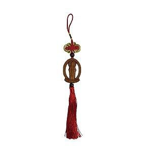Móbile Kuan Yin de Madeira e Tessel Vermelho 34cm